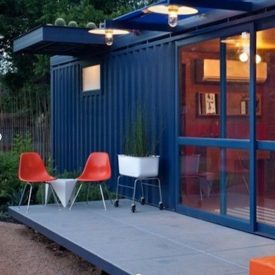 Maison dans un container shipping container house in for Extension en container